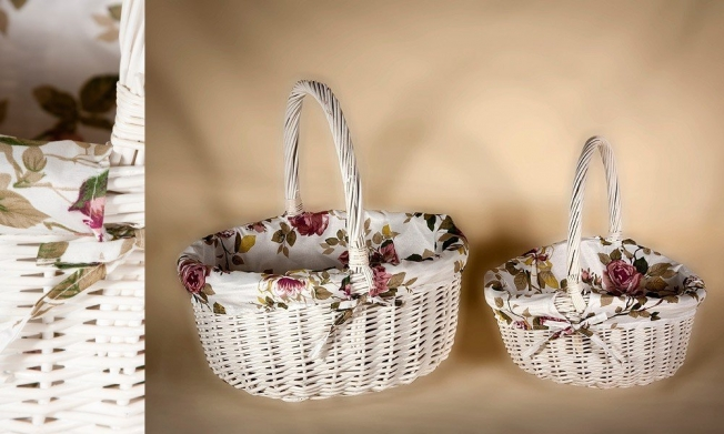 wicker basket white paint whit fabric