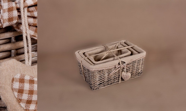 Set of 3 wicker containers