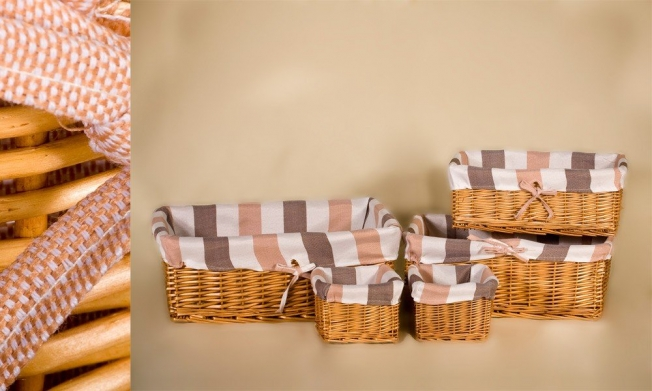 Set of 5 wicker containers