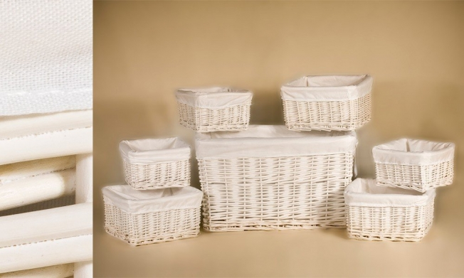 Set of 7 wicker containers